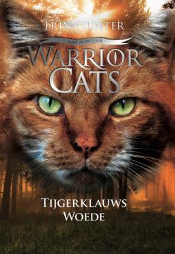 Cover Warrior Cats Tijgerklauws Woede: portret van een rosse kat tegen een achtergrond van een bos met oranje gloed over.
